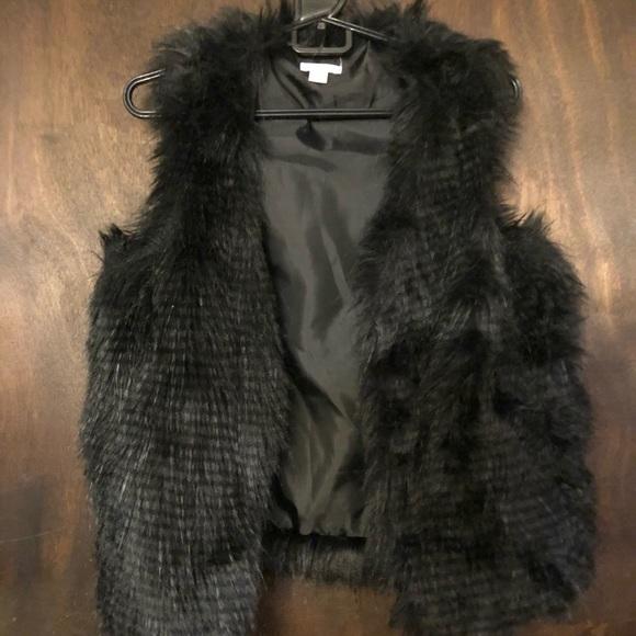Xhilaration Jackets & Blazers - Xhilaration Faux Fur Vest